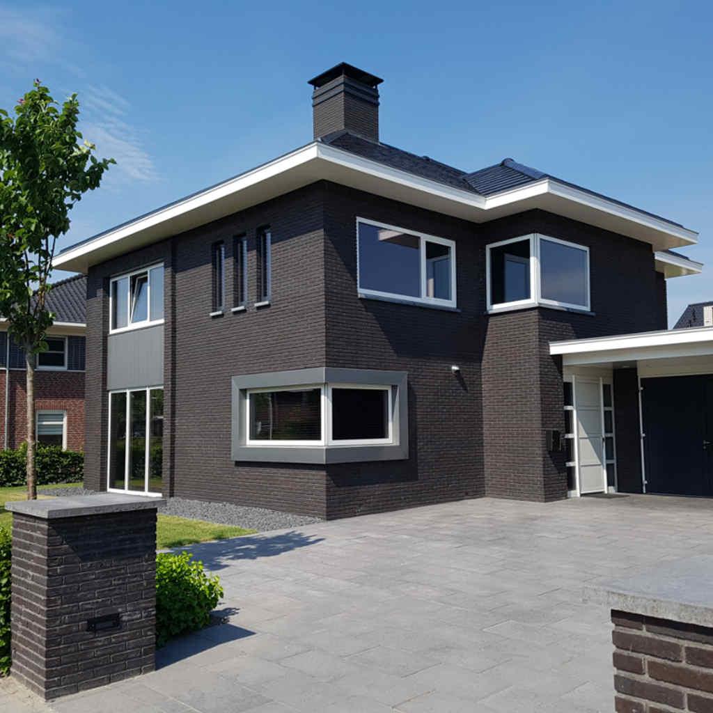 Moderne luxe herenhuis ontworpen door Hoogsteder architecten te Raalte