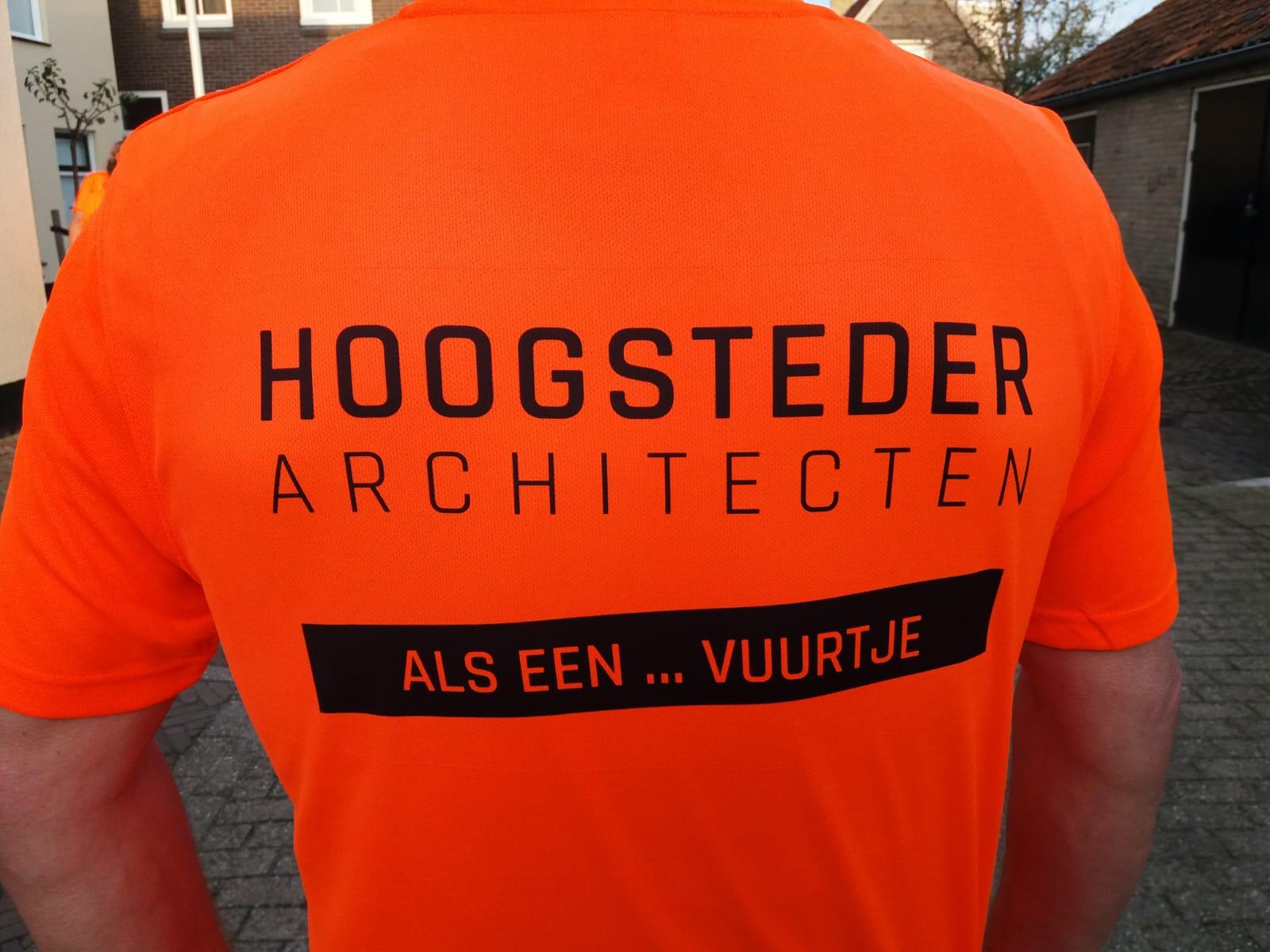 Architectenbureau Hoogsteder architecten te Raalte doet mee aan de Berenloop Terschelling. Een sportief architectenbureau. Wij ontwerpen een thuis. Moderne schuurwoningen moderne nieuwbouwwoningen en villa's, maar ook jaren 30 woningen en rietgedekte woningen door heel Nederland.