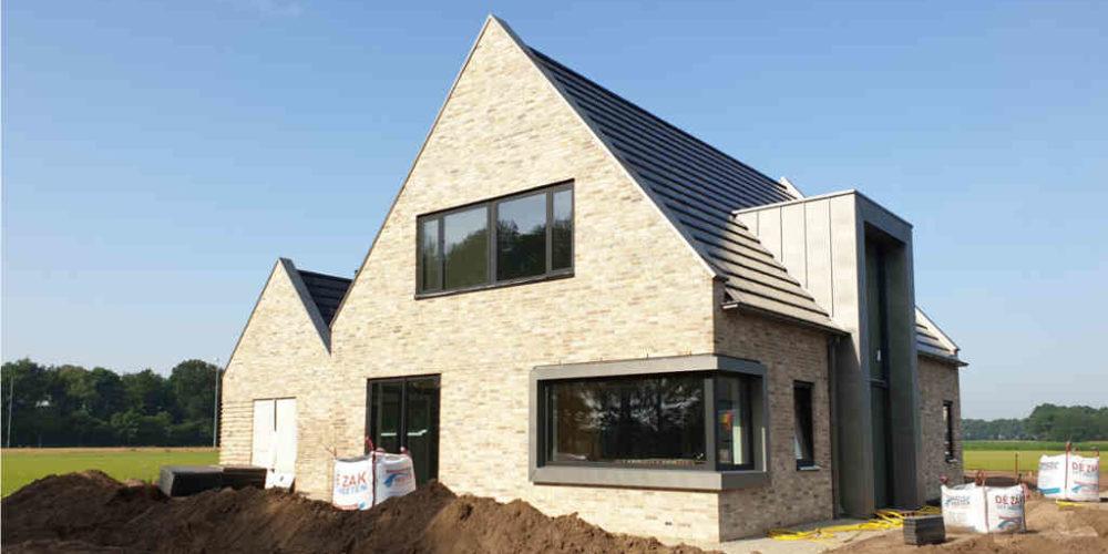nieuwbouw woning luttenberg gezinswoning buitengebied baksteen hoogsteder architecten