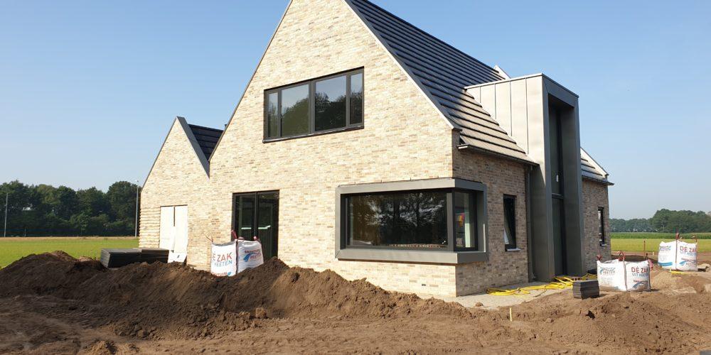 moderne woning laten bouwen Buitengebied woonhuis luttenberg architectenbureau raalte
