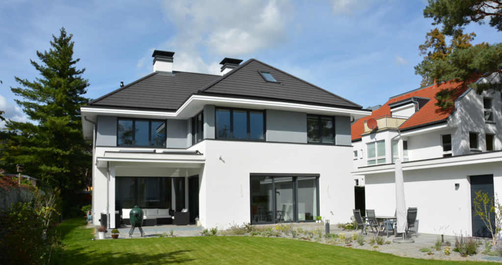 ontwerpen royale moderne villa berlijn eigentijds wit stucwerk architectenbureau hoogsteder architecten
